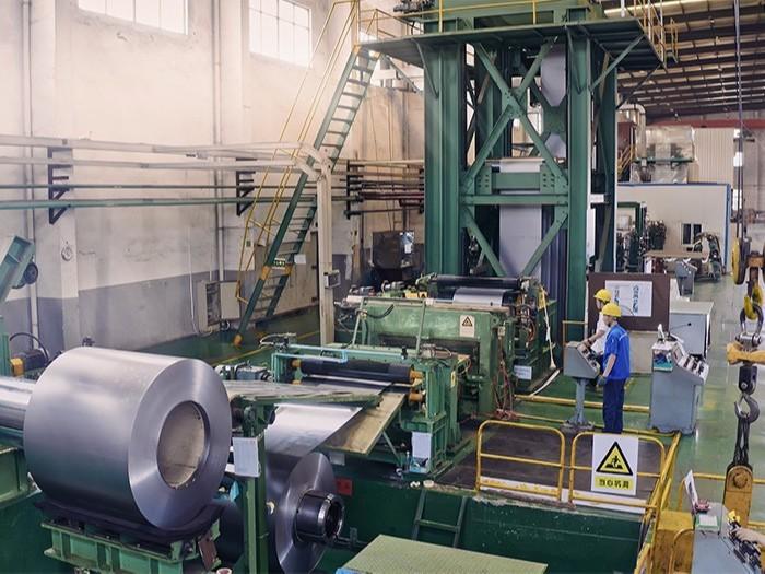 精钢生产基地
